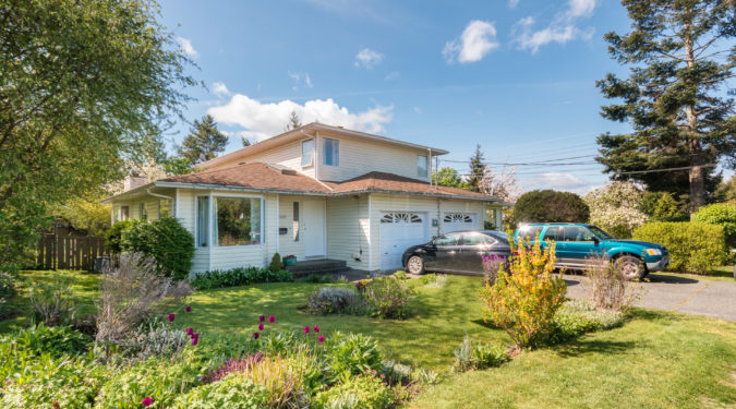 2409 Amelia Avenue Helmsing Homes for Sale, Sidney BC 20 minutes from Victoria BC Anthea & Gay Helmsing REAL ESTATE